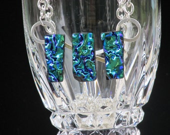 Blue 3 pc. wavy Dicro. Glass necklace with silver chain