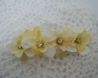 YUETAccessory - Charming Yellow x White Flower Petals Hair Clip