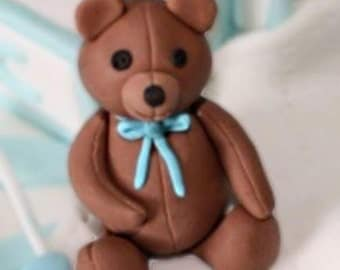 Edible teddy bear cake topper