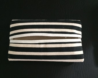 Black and Khaki Pocket Tissue Holder