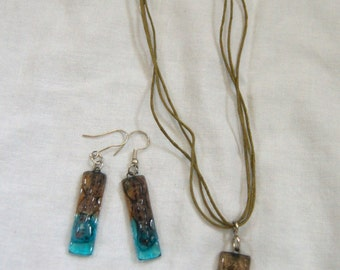 Peruvian Blue Glass Jewelry Set - Earrings and Necklace