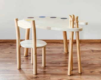 Table in solid pine wood-kids table-table design