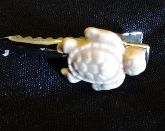 White Turtle Clip