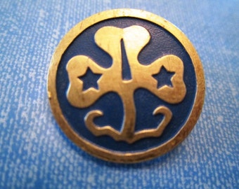 Vintage Girl Scout Brownie Pin Blue Enameled Shamrock Clover Gold Tone Old Style