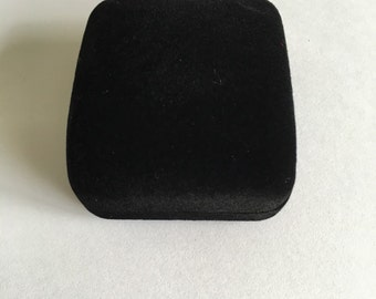 Black Velvet ring box