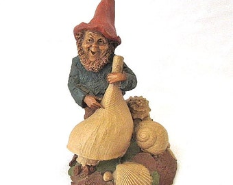 Signed Tom Clark 1984 Johann Gnome w. Sea Shells Retired Cairn Studio