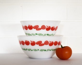 Set of 2 -Vintage Crown Agee Pyrex - Harvest tomatoes Pattern - nestling Mixing bowls - 60's Era