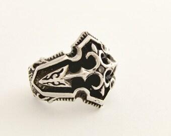 Fleur de lis rign - Silver fleur de lis - Sterling silver ring - Royal silver ring - Fleur de lis jewelry - Statement silver ring