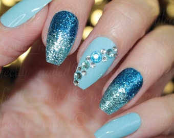 Blue glitter gradient gel nails • Handpainted False Nails • Fake Nails • Press on Nails • Stick on Nails
