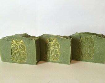 MOTHER NATURE SOAP   Handmade   Cold Process Soap   Lemongrass and Tea Tree Essential Oils   *Fancy*