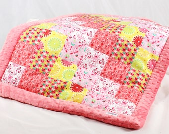 Baby Quilt Blanket, Patchwork, Minky, handmade Baby Bedding, Infant, Newborn, Baby Girl, Pram, bassinet, cradle, spring flowers