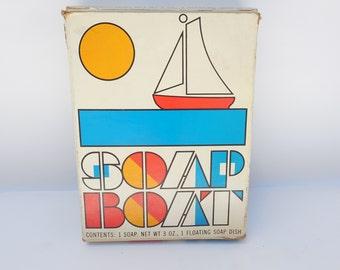 Vintage AVON Soap Boat Floating Soap Dish in Original Box