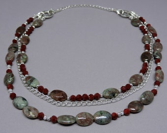 Amelia Convertible Necklace - Red and Green