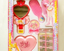 Sailor Moon World Accessory Box . Vintage Toys. Magical Girl. Sailor Moon Action Figure. Fashion Toys. Girls' Accessory Set. Anime Toys.