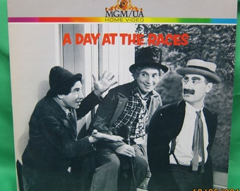 A Day at the Races Laser Videodisc - MGM/UA Home Video ---Marx Brothers