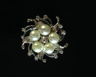 Pearl brooche