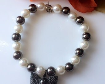 Bow Pearl Bracelet