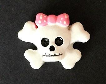 Pink Bow Skull and Crossbones flat back resin  (19-VA-402)