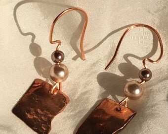 Copper and pearl bead earings