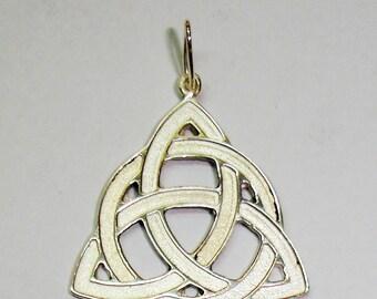 Pendant silver Celtic Triquetra.