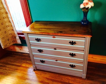 Antique grey/turqouise painted shabby chic dresser