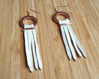 leather earrings, white leather strip earrings, leather earring, copper and leather earring, white leather earring, bohemian,copper, earthy