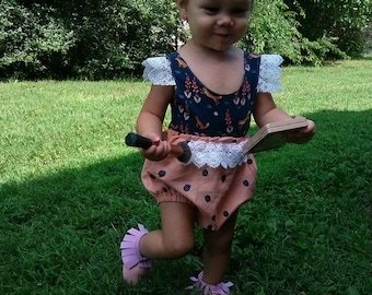 Organic cotton berry baby bloomers