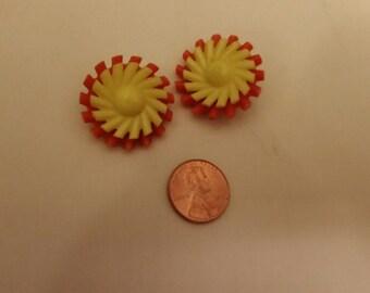 Super Groovy MOD plastic flower Earrings - CLIP