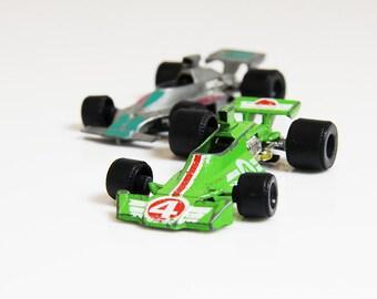 80s Formula 1 Racing Cars - Green & Silver