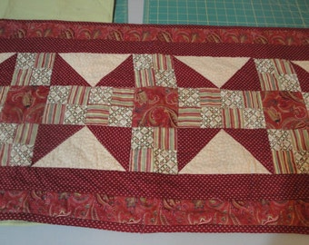 Throw Quilt with matching Table Runner