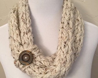 Infinity scarf with button