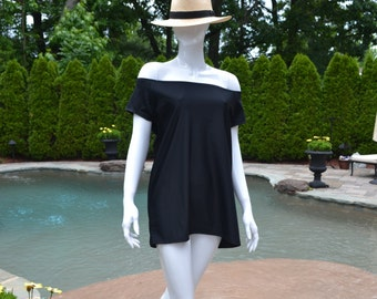 Black swimsuit cover up can be worn in and out of the water