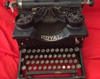 1920s Royal #10 Typewriter