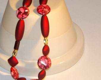 Red Glass Bead Necklace, Red Necklace, Mothers Day Gift, Birthday Gift, Vintage Necklace