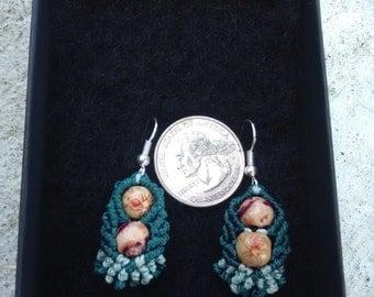 Leaf macrame earrings
