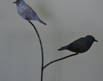 Pair of sitting bluebirds garden stake