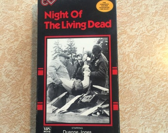 Vintage Night Of the Living Dead Horror Series VHS. Horror, cult, kitsch, 1986.