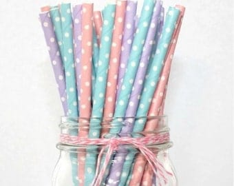 20 straws in polka dot paper in different colors
