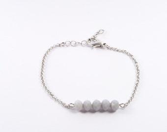 Jasseron bracelet with soft grey facet beads
