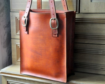 Leather heavy bag for wman's from (the leather thikness 7,5 oz).