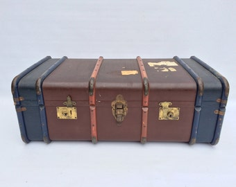 Vintage Old Trunk Chest Coffee Table Ottoman Storage / Toys / Blanket Box
