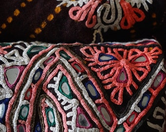 Fabric embroidered or bed in wool, embroidered. Rajasthan