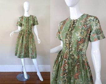 Vintage 50s Dress / Haybrooke Classic Dress / 1950s Cotton Day Dress / 50s Floral Print / Size M