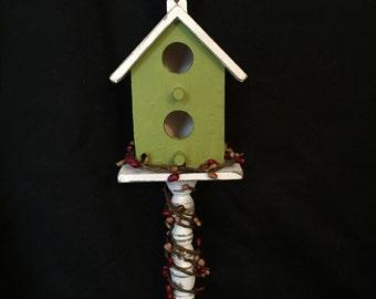 Pedestal Birdhouse
