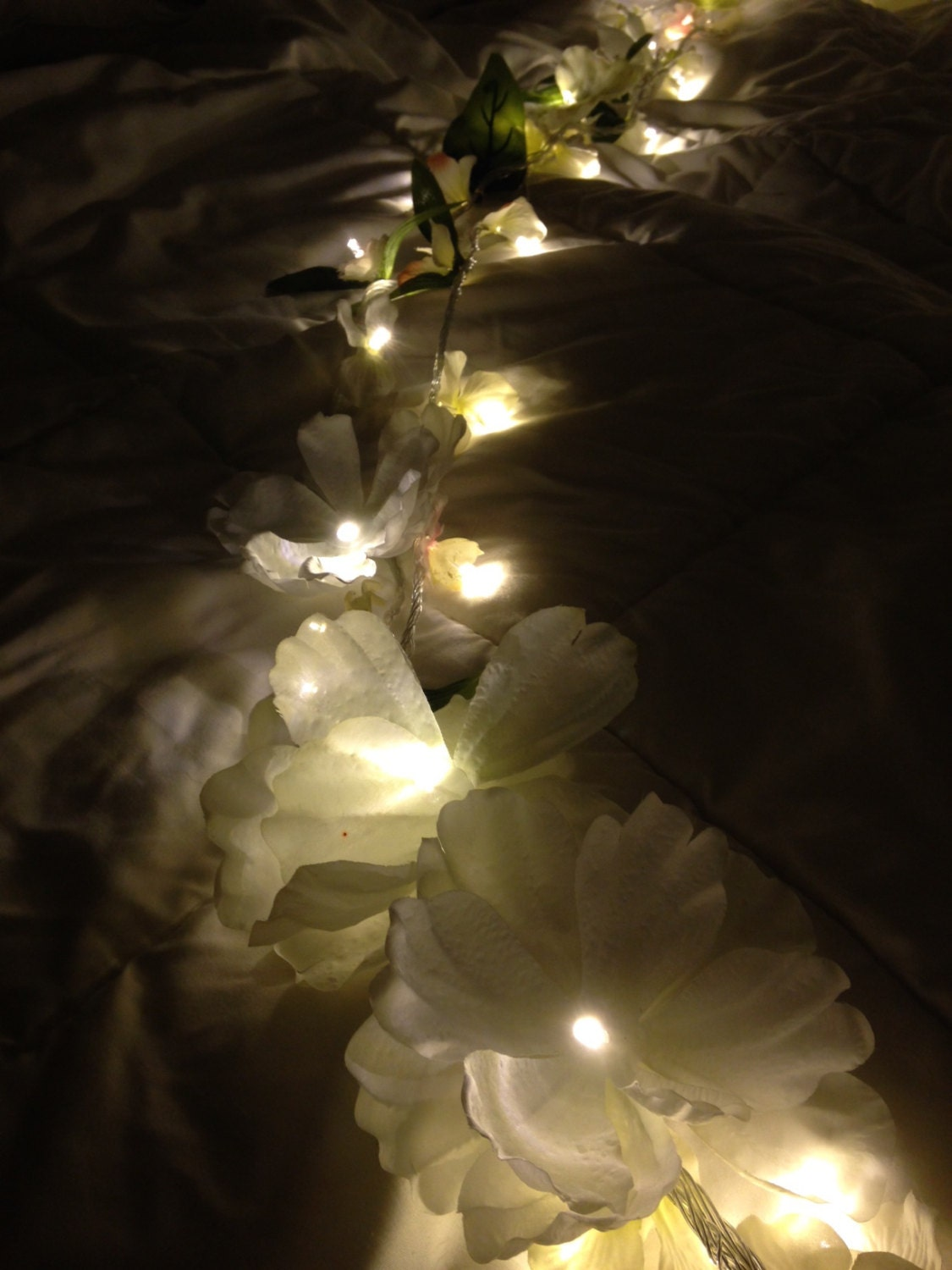 fairy lights bedroom flower garland white by lovelovecutie