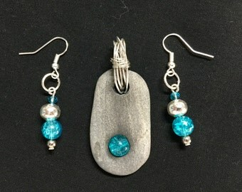 Beach rock with crystal glass bead pendant and matching earings