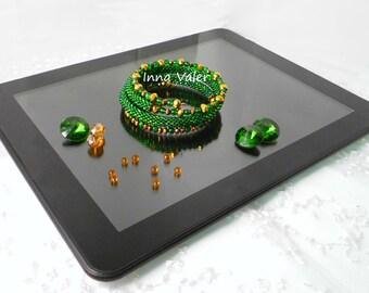 Bead Bracelet on memory wire