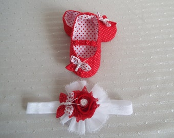 Baby shoes and headband in handmade