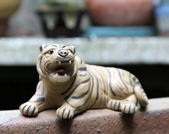 handmade tiger teapet from China