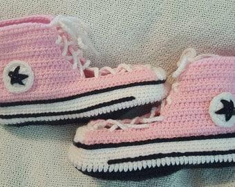 e4f84d3f2144b taille adulte crochet motif pantoufle converse - Akileos